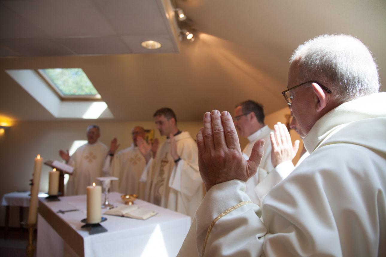 Eucharistie, Foyer sacerdotal Jean-Paul II, Société Jean Marie Vianney, Ars